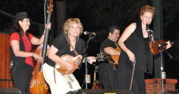 Lagu-lagu Populer dan Terbaik Valerie Smith