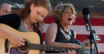 Berita Karir Valerie Smith Musician