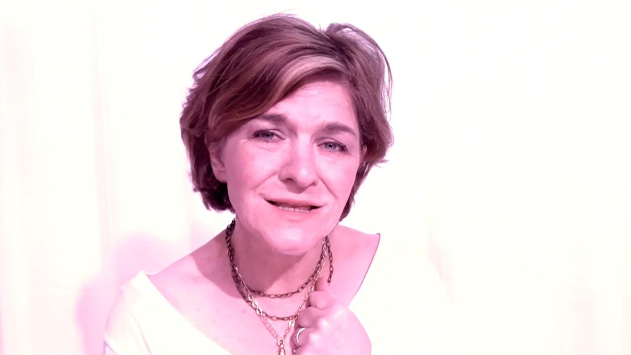3 Jenjang Perjalanan Karir yang Ditempuh Valerie Smith untuk Menjadi Musisi Populer