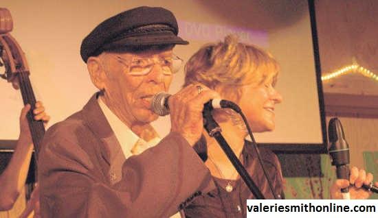 Sosok Charlie Louvin, Mentor Valerie Smith Dalam Berkarya di Bidang Musik