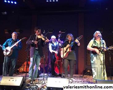 Project Musik Pertama Valerie Smith Dengan Nashville Bluegrass Band