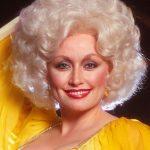Dolly Rebecca Parton, Penyanyi Yang Menyaingi Karir Valerie Smith