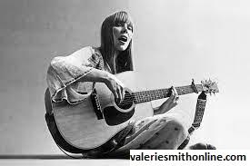 Joni Mitchell Sempat Tandingi Album Valerie Smith di Grammy Award